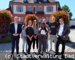 Bürgermeister Berggötz begrüßt die neuen Auszubildenen bei der Stadt Bad Dürrheim